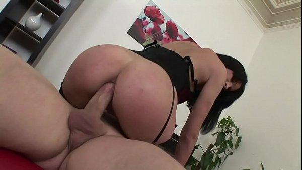Caiu na net cena completa de sexo com novinha dando cu