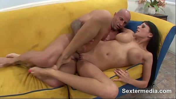 Assistir sexo grátis com bucetuda de seios grandes