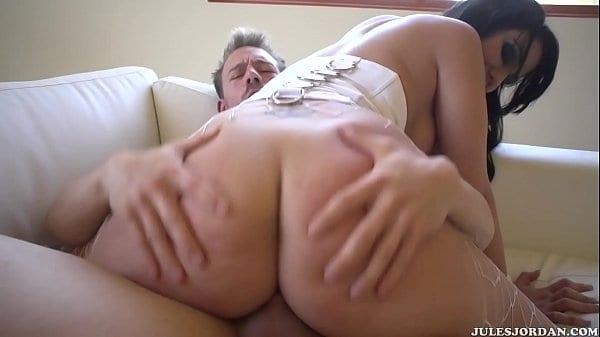 Porn redtube morena cuzuda chupando e trepando