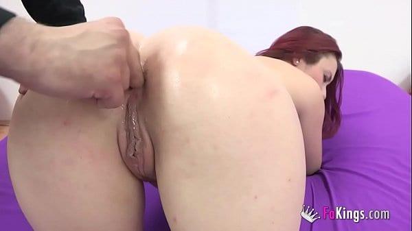 Xxx porno com ruiva branquinha dando o bumbum