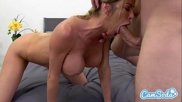 Assistir cena de sexo completa com loira peituda