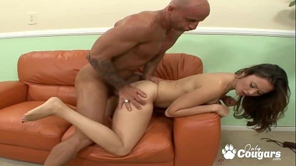 Porno safadas novinha dando pro vizinho casado
