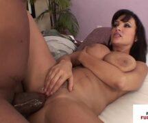 Redtube vídeo de sexo quente com morena peituda