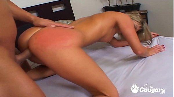 Sexo e pornos HD loirinha safada fudendo sem camisinha
