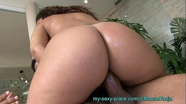 Samba porno brasil morena cuzuda dando o bumbum