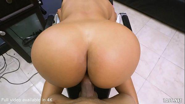 videos de sexo com historia morena gostosa dando a buceta